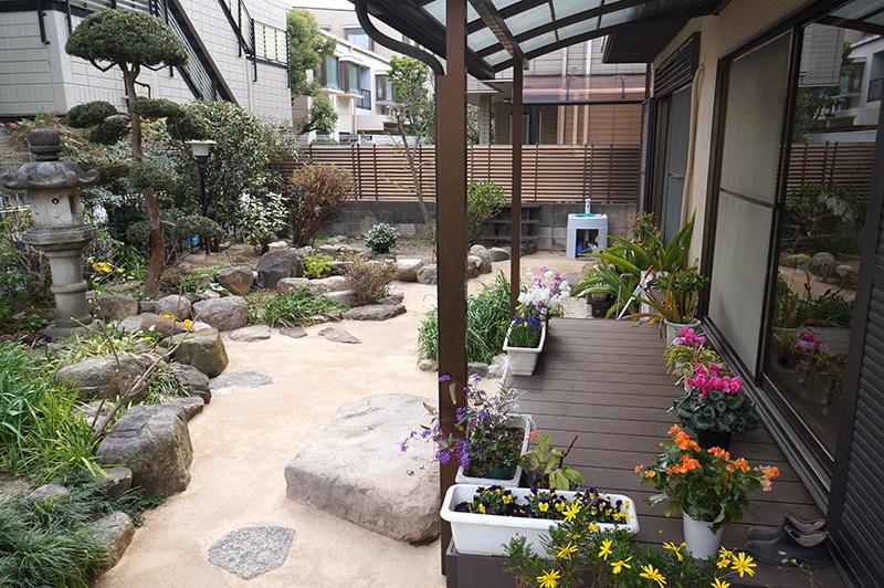 雑草対策をしつつもお庭作りを楽しむためのエクステリア工事