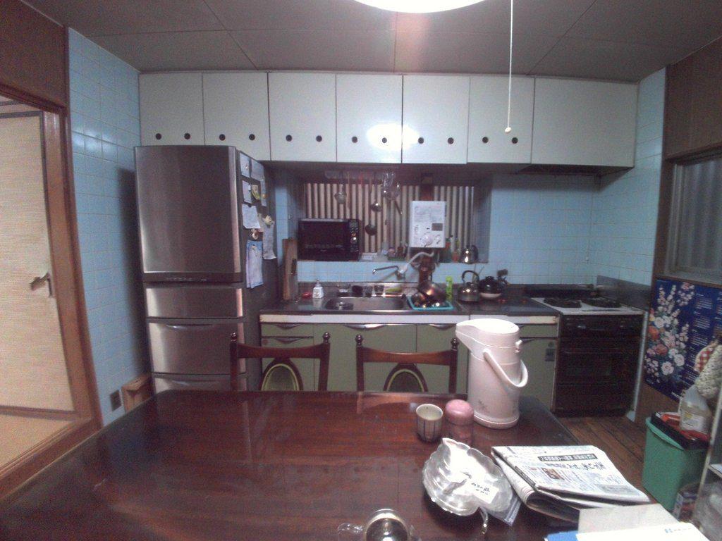 改装前ご家族が使われていたキッチン>