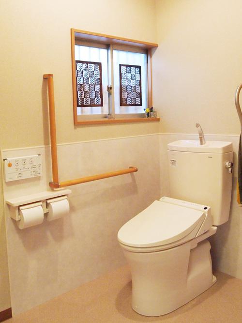 玄関とトイレがバリアフリーに