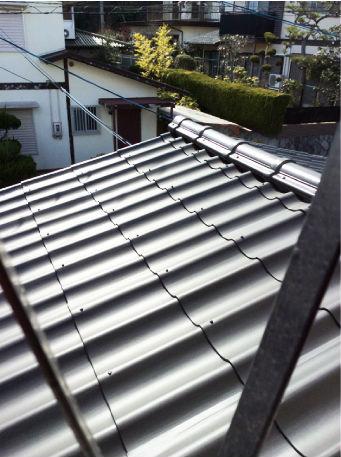 軽量カバーメタルによる屋根の重ね葺き