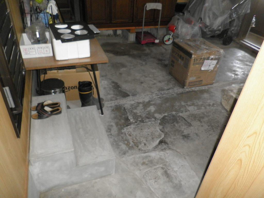 洋室を新設する前の土間>