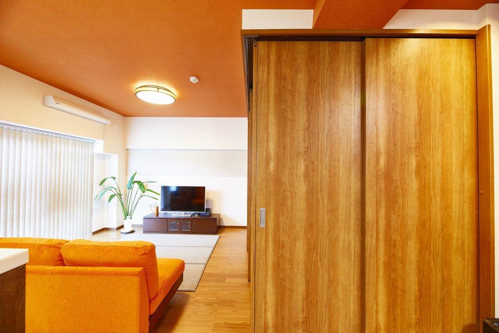 寝室の間仕切り扉でお部屋の印象も変わります>